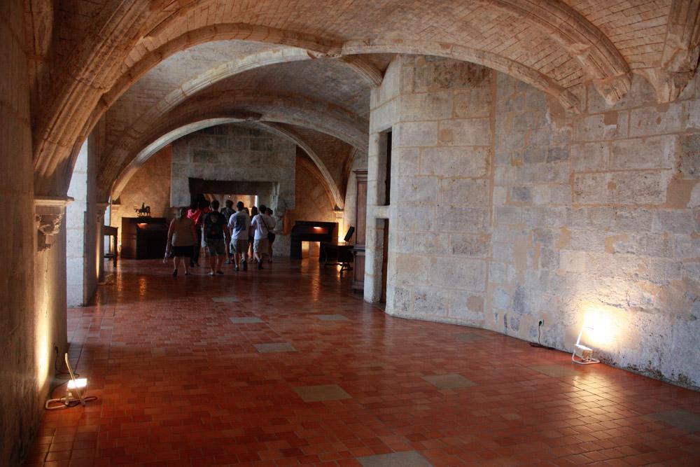 De oude kelders, die vroeger dienden als gevangenis.