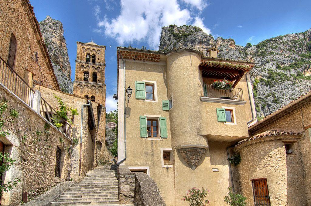 De 10 mooiste dorpen van de provence tips voor je - Office tourisme saintes marie de la mer ...