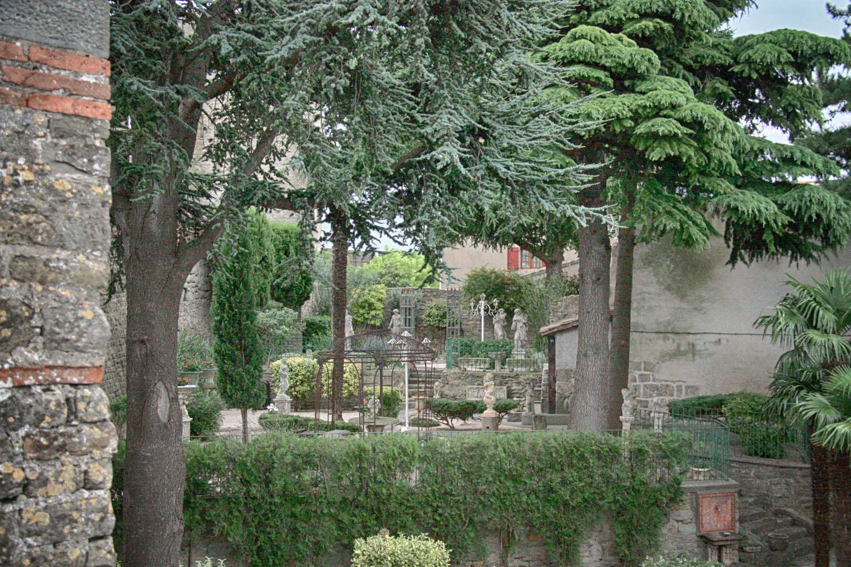 De Cité van Carcassonne heeft verrassend veel groene plekjes.