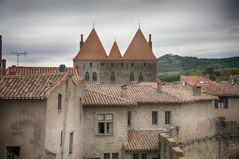 De porte narbonnaise vanaf de binnenstad.
