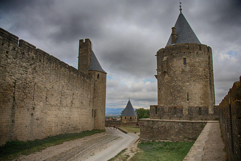 Carcassonne heeft een dubbele verdedigingsmuur.