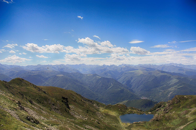 Richting de hogere Pyreneeëntoppen.