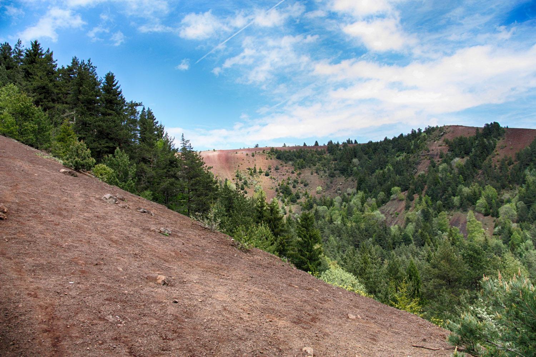 Wandelen over vulkaankraters in de Chaîne des Puys