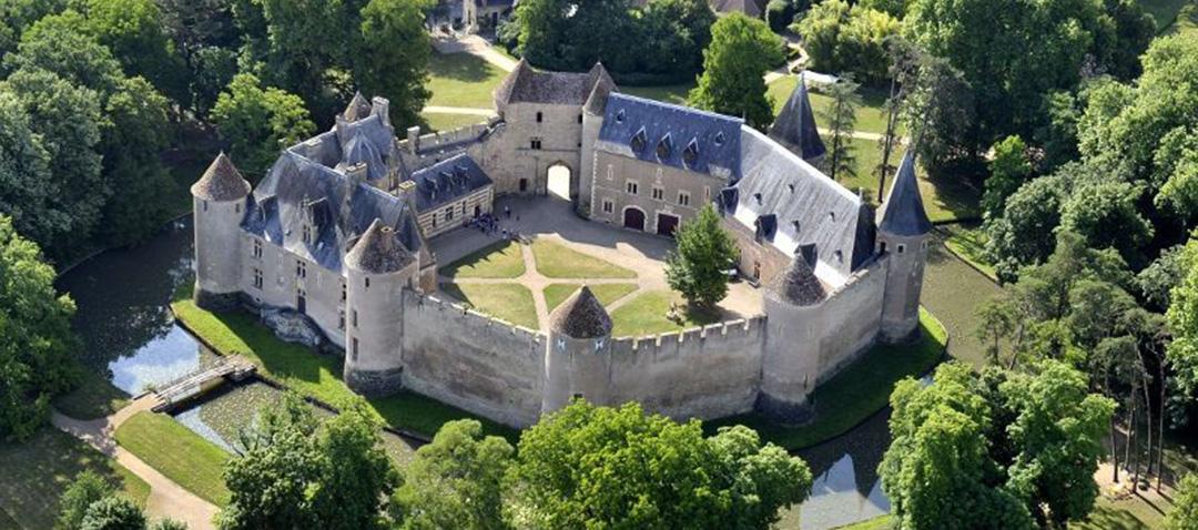 Pareltje in de Berry: het kasteel van Ainay-le-Vieil