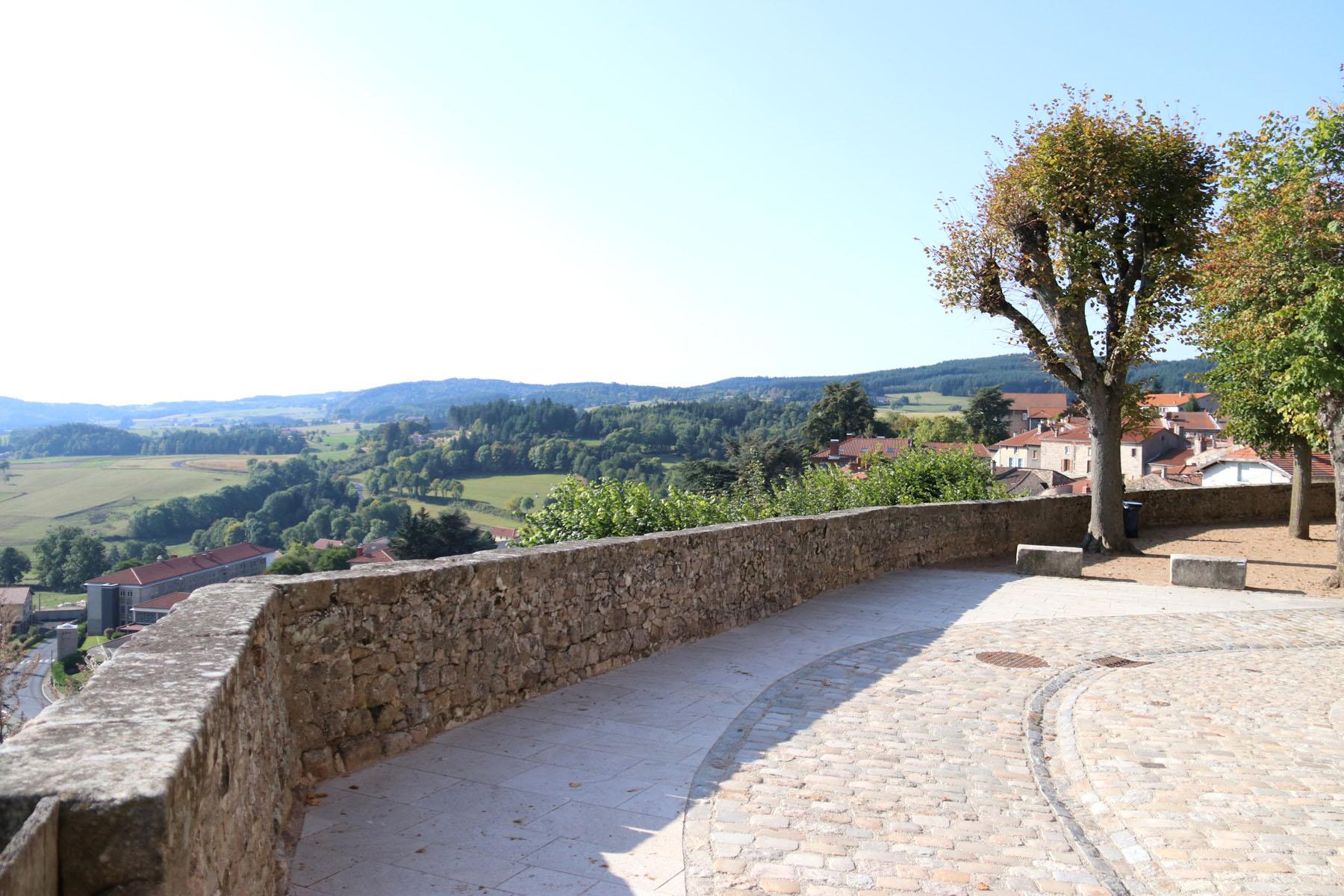 Een reis door de tijd in het sfeervolle stadje Saint-Bonnet-le-Château