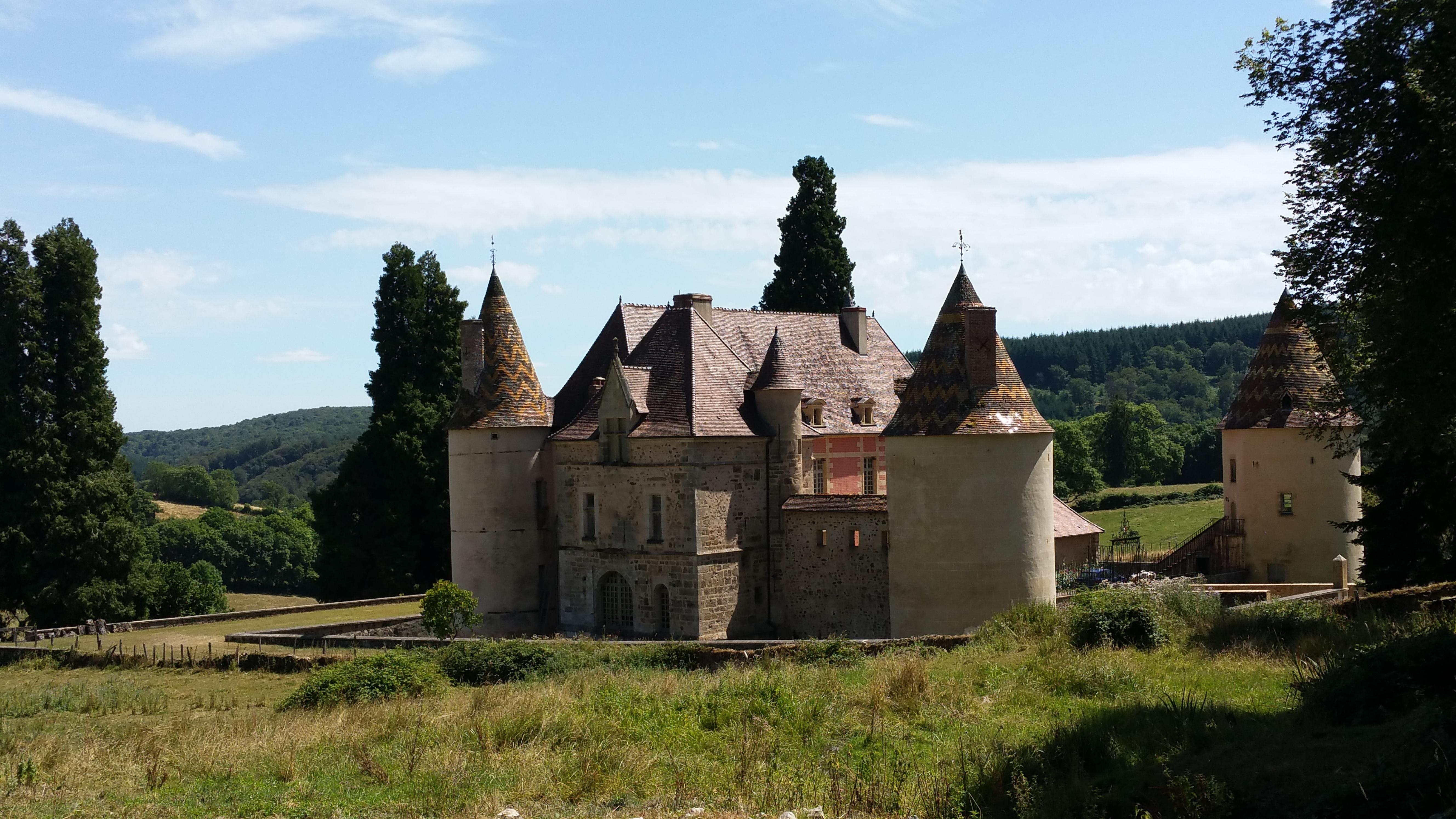 Camping Ménessaire bij kasteel in Bretagne