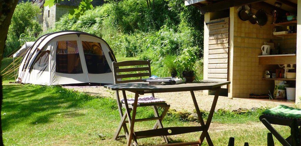 Rustieke kleine camping Hermitage Rochas Couchaud, Corrèze, Limousin, Frankrijk