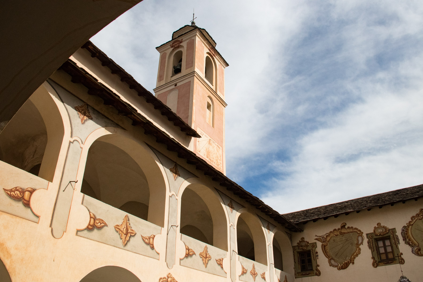 De kloostergang in het klooster van Saorge