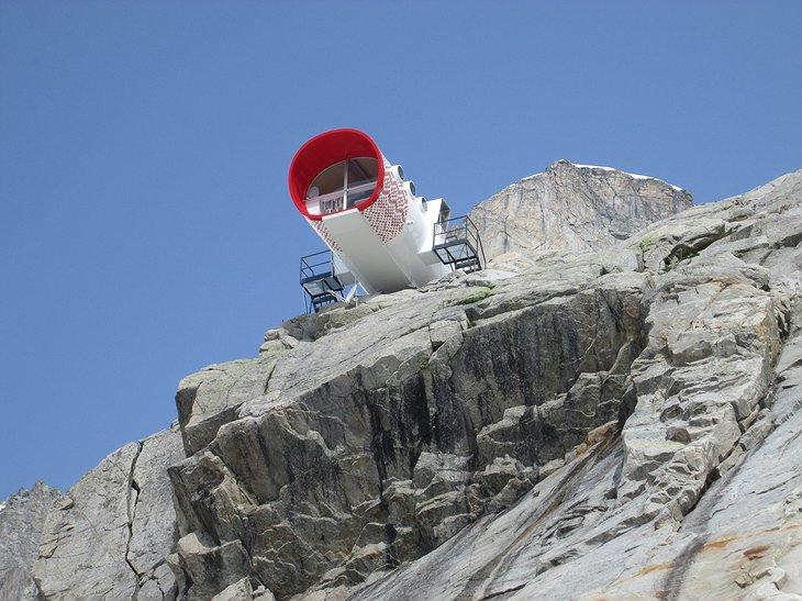 Bijzonder overnachten in Frankrijk en Italië: ruimtecapsule op de Mont-Blanc