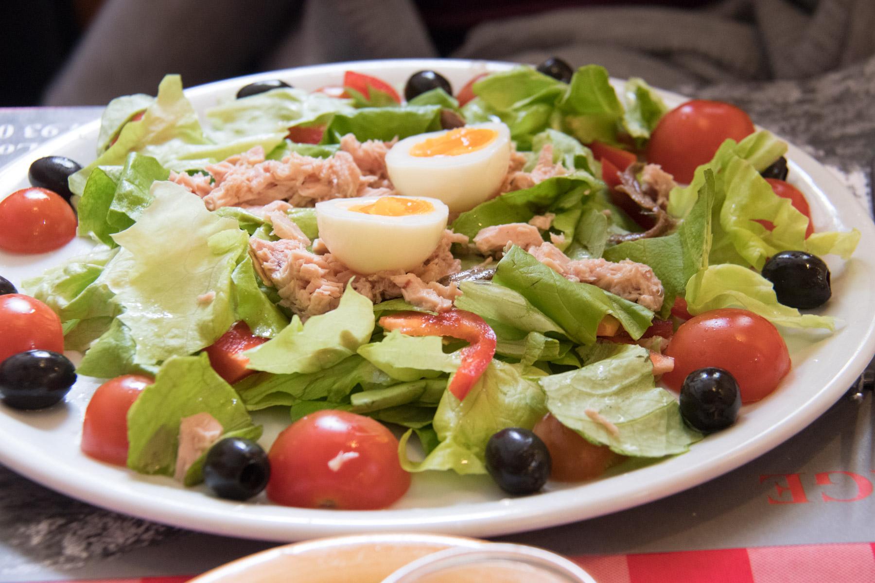 Een Salade Niçoise bij Lou Pountin in Saorge