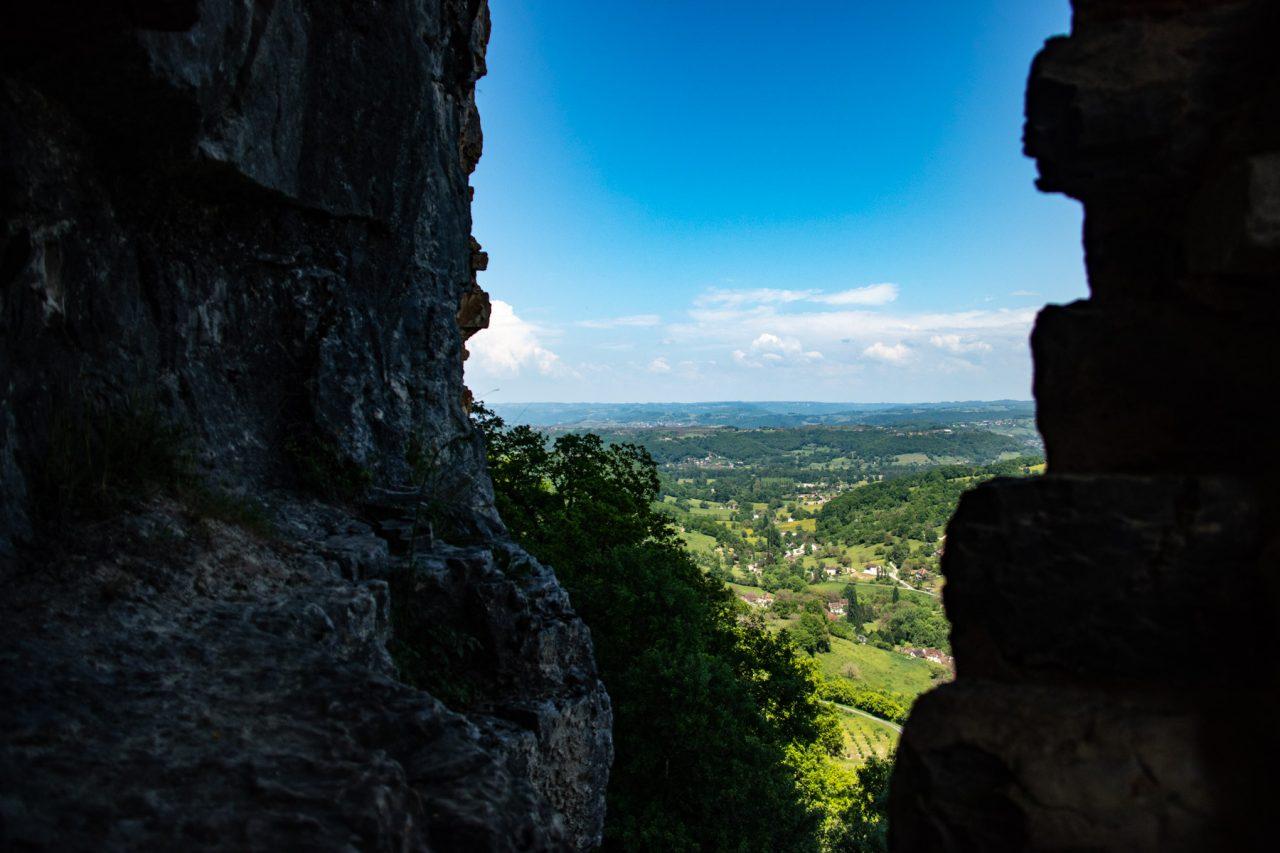 Vanaf de ruïnes van het kasteel van Autoire.
