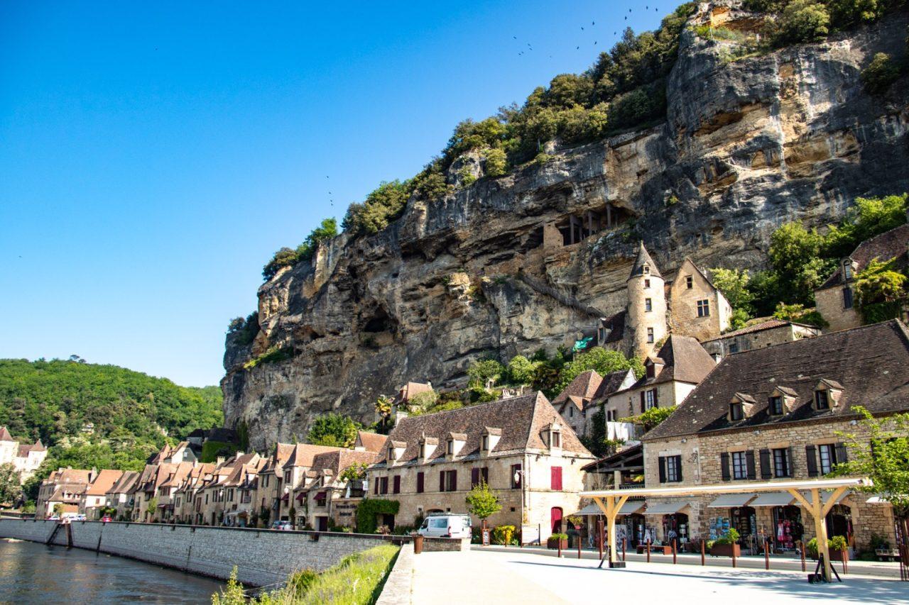 Dorp La Rogue-Gageac langs de rivier de Dordogne