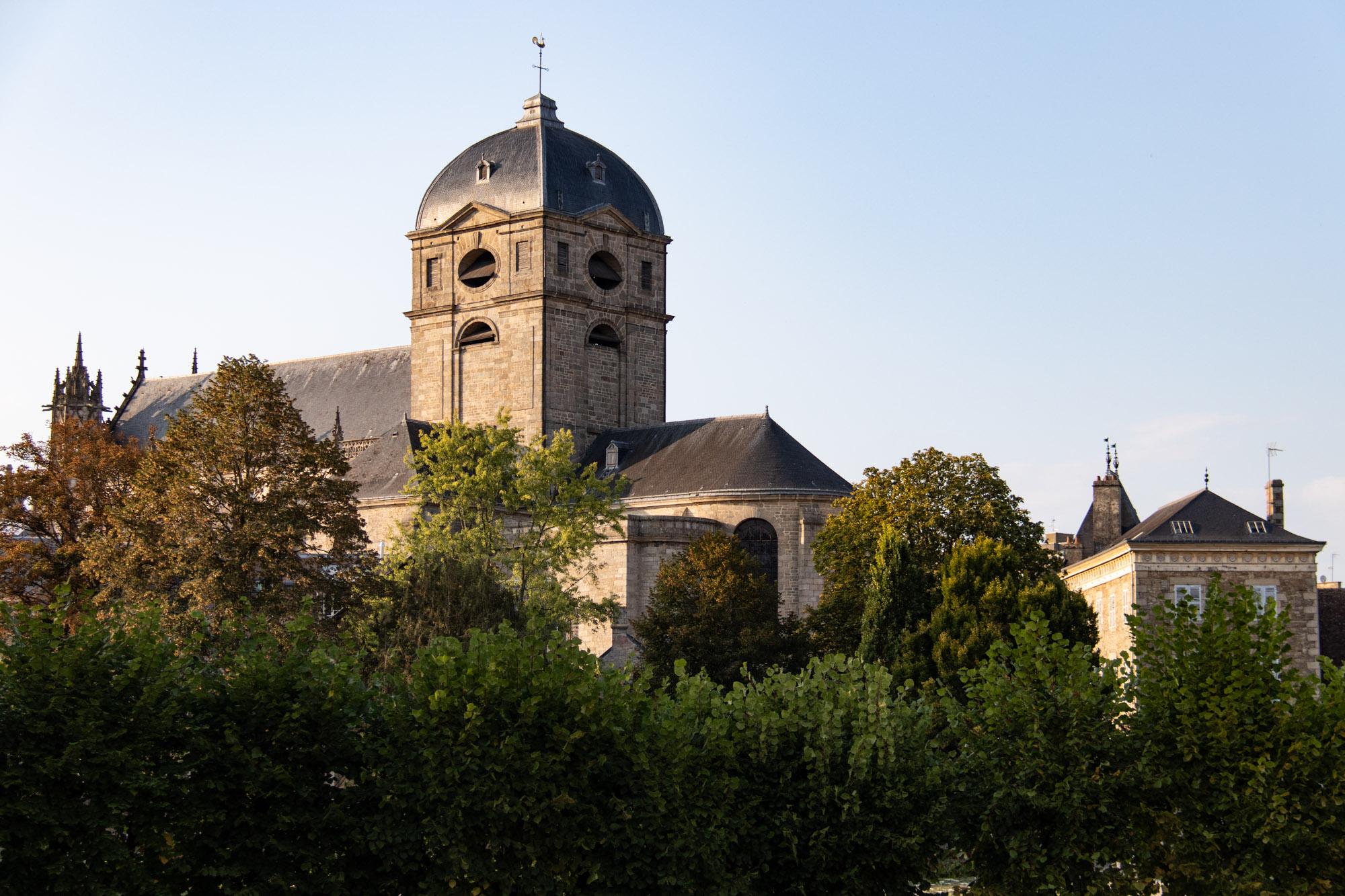 Chateau Vloeren Helmond : Alençon gemoedelijke stad in normandië tips voor je vakantie in
